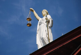 themis-temida-law-justice-court-677940-1080x720_283x193_crop_and_resize_to_fit_478b24840a