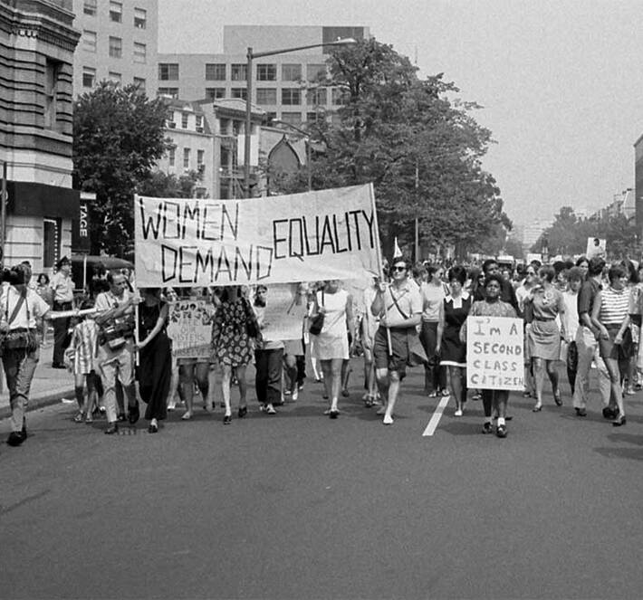 Womens-liberation-march-from-Farrugut-Square-to-Lafayette-Park1970-Washington-DC-1080x720_710x663_crop_and_resize_to_fit_478b24840a